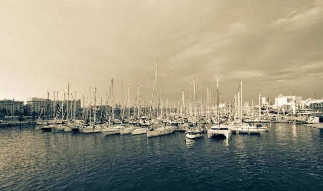 La Rambla del mar-Barcellona