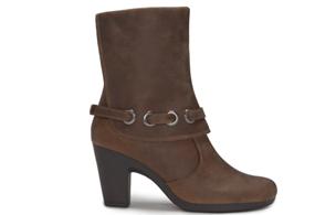 4861592d8175 Aerosoles  Fashionable   Comfortable Feet at BlogHer - Tech Savvy Mama