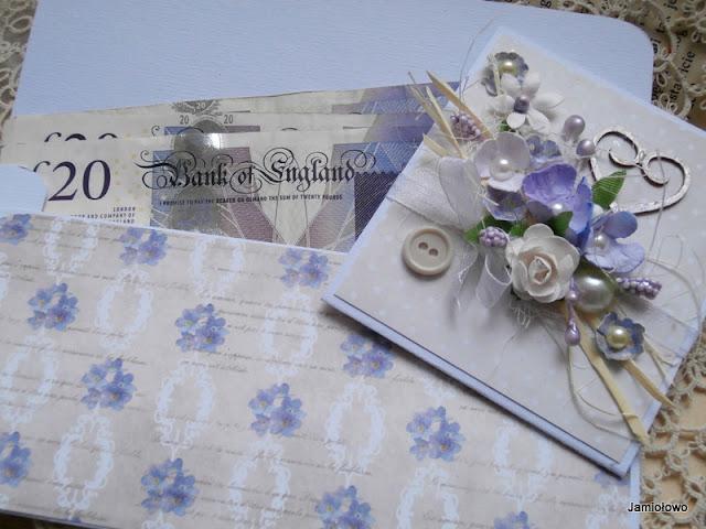 kolorowe kwiaty ręcznie robione na kopertce