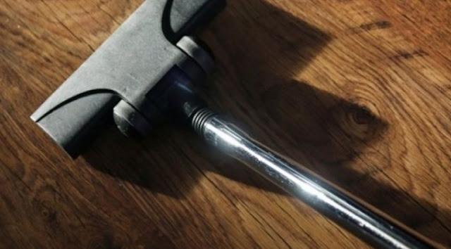 Το κόλπο με την ηλεκτρική σκούπα για να αρωματίσετε το σπίτι