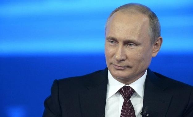 Πούτιν: Πληροφορίες για «κατασκευασμένες» επιθέσεις με χημικά στην Συρία
