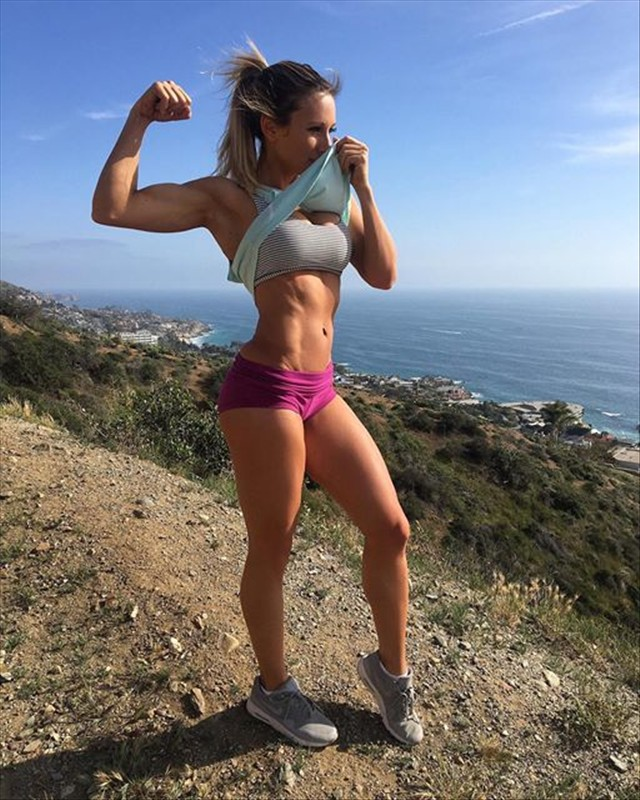 Fitness Model Paige Hathaway