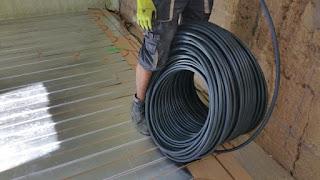 Pose tuyau PERT dans le plancher chauffant Caleosol ECO+ à Lyon par DM Projets