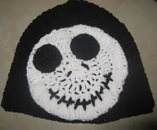 http://translate.google.es/translate?hl=es&sl=en&tl=es&u=http%3A%2F%2Fwww.girlinair.com%2F2010%2F10%2Fjack-skellington-hat-tutorial.html