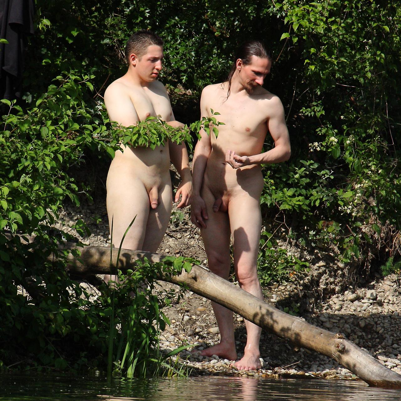 Nude Dude Spycam 8