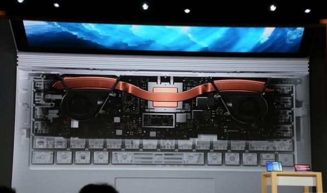 Microsoft khẳng định rằng Surface Book i7 là laptop tối thượng