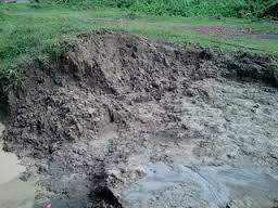 tanah liat bahan baku gerabah