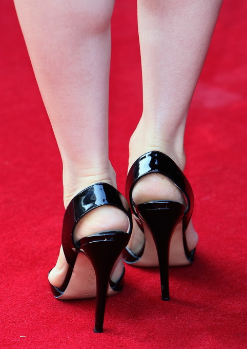 Lucy Liu feet (26) - a photo on Flickriver