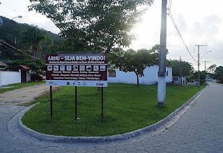 Entrada da Vila do Ariri: Foto: André Pimentel.