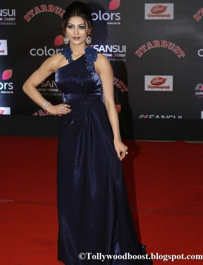 Beautiful Girl Urvashi Rautela At Sansui Colors Stardust Awards In Blue Dress