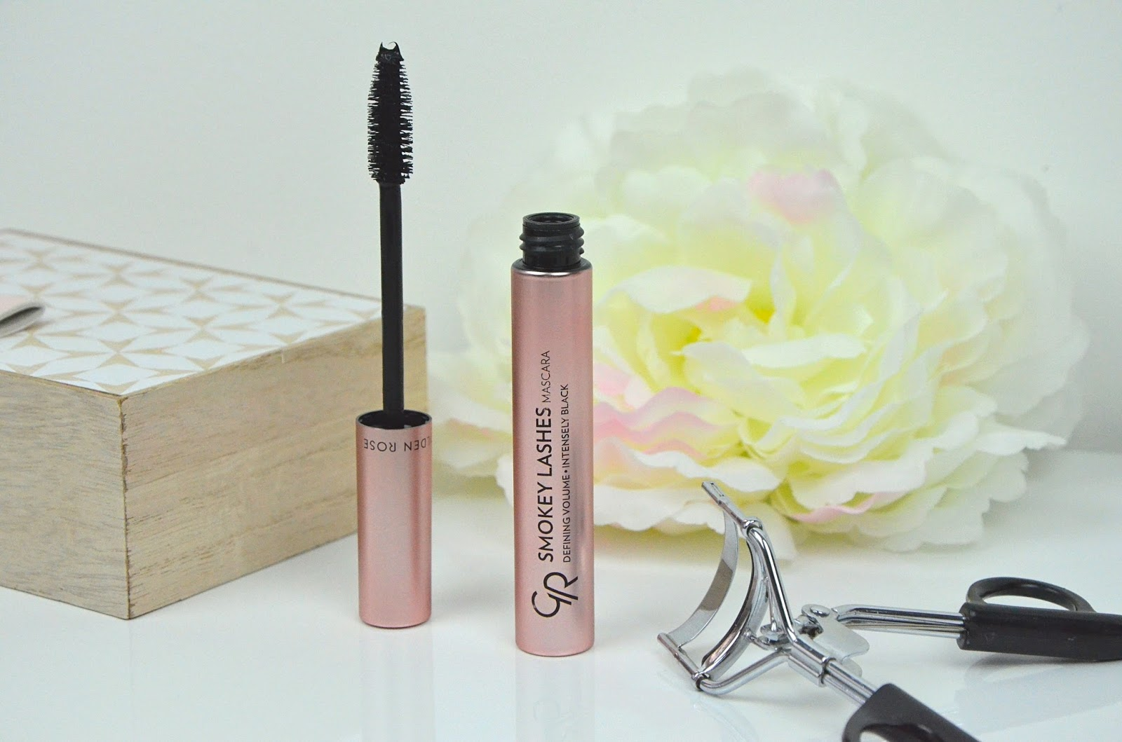 mascara smokey lashes Golden Rose