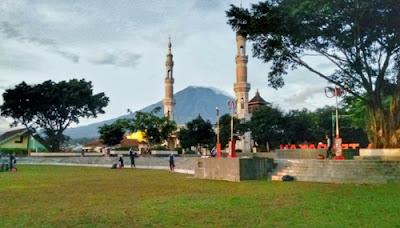 clean the city 2019 di alun-alun temanggung