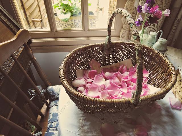 handmade rose petal confetti