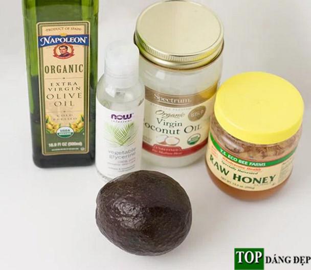 """Cách chữa tóc khô giòn tại nhà với mặt nạ bơ """"cực đơn giản"""""""