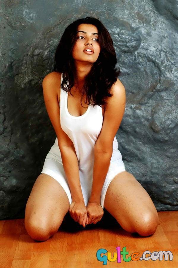 Tollywood actresses in bikini bikini beauties telugu top heroines skin - 3 8