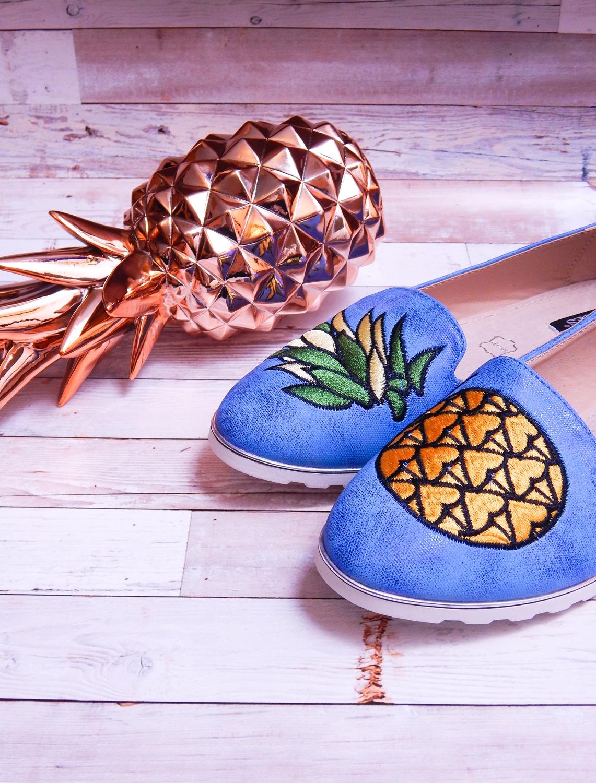 6 renee jasnoniebieskie mokasyny pineapple ananas buty obuwie renee obuwie damskie półbuty buty na wakacje wygodne z aplikacjami wyszywane vices recenzja partybox dodatki na imprezy aloha złoty ananas