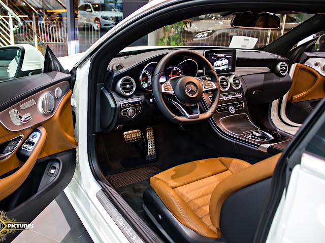 Nội thất Mercedes C300 Coupe 2017 được thiết kế thể thao không kém phần sang trọng