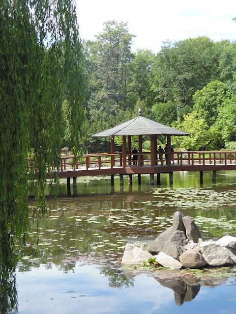 most i pawilon widokowy w ogrodzie japońskim