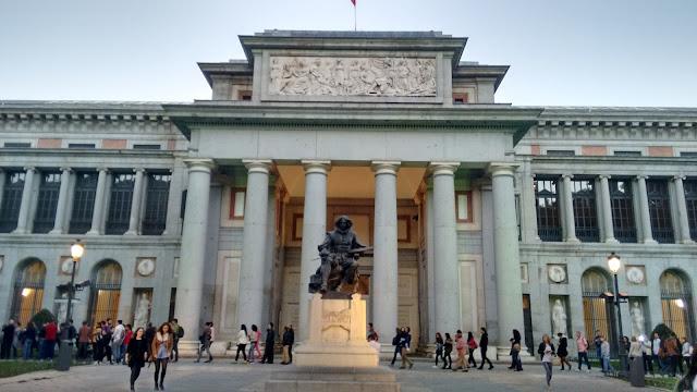 Museo del Prado. Puerta de Velazquez