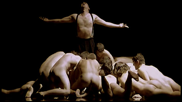 Performances Naked Pictures 10