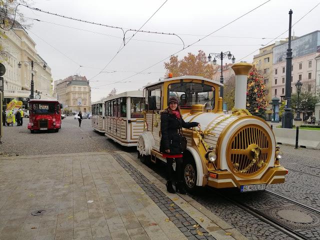 Začali sa Vianočné trhy v Bratislave