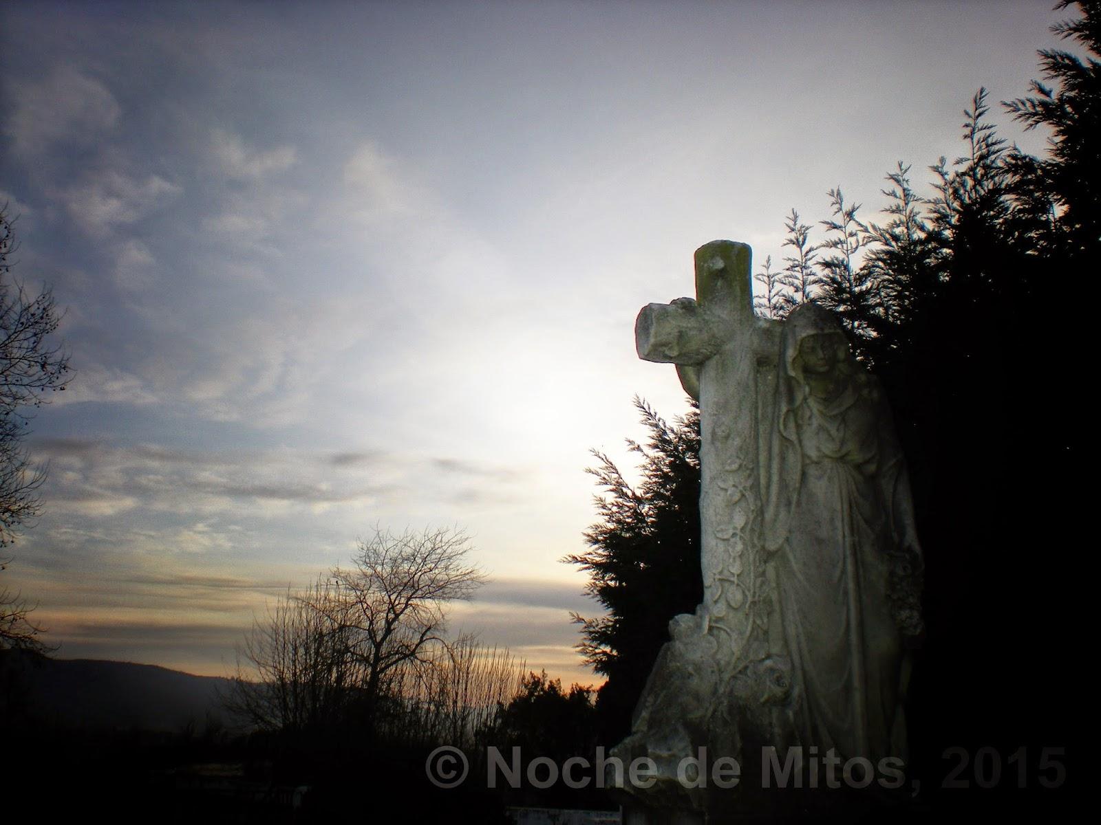 http://nochedemitos.blogspot.com.es/2015/02/album-podcast-15-cementerios-vida.html