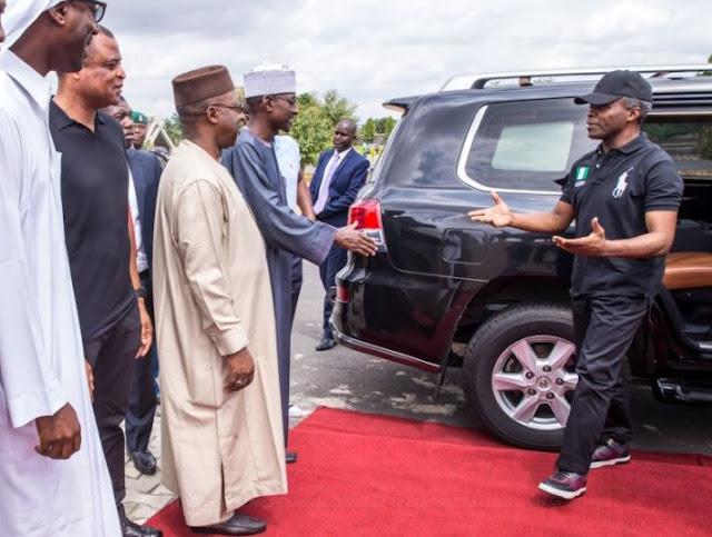 Cute-photos-of-Acting-Pres.-Yemi-Osinbajo-visit to-12-12-polo-club-in-Abuja