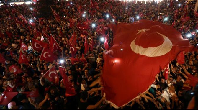 Pendukung Presiden Turki, Recep Tayyip Erdogan