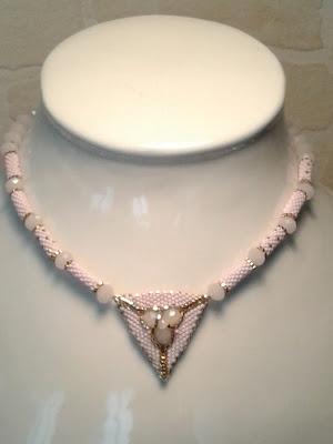 miyuki délicas rose pâle, doré et rondelles rose pâle