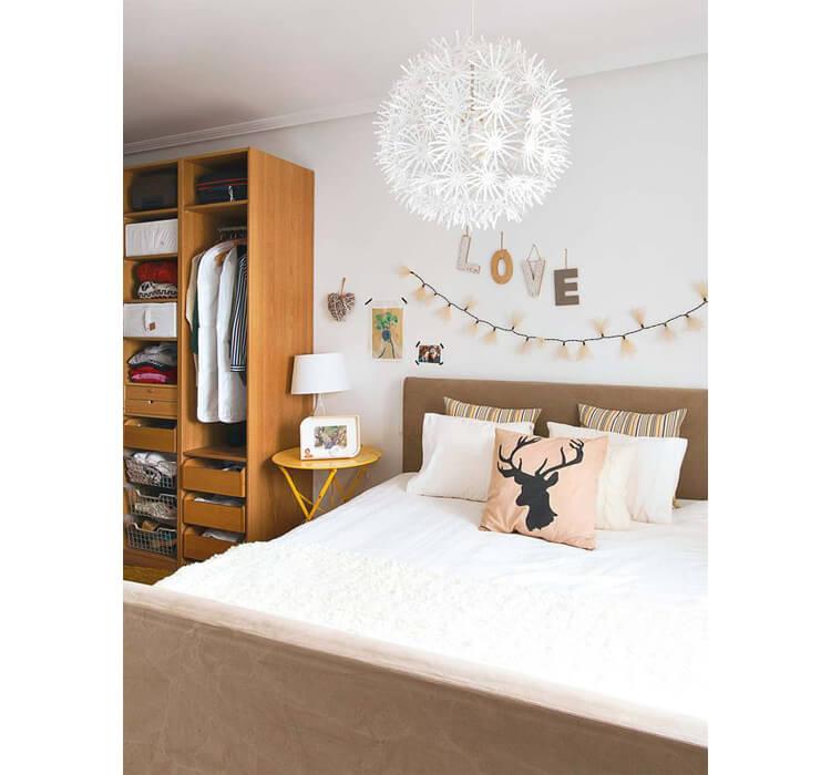 Esempi su come decorare la testata di un letto