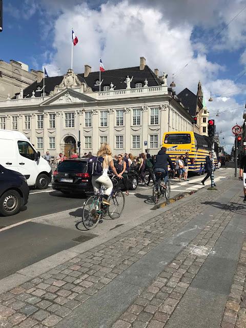 Kööpenhaminassa on runsaasti pyöräilijöitä