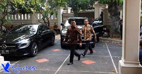 Moeldoko Hadiri Rapat Timses Jokowi-Ma'ruf di Posko Cemara