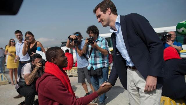 Podemos afirma que Casado se toma foto con africanos por votos