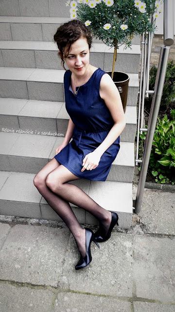 Jeansowa sukienka na podstawie Burdy #115 07/2015