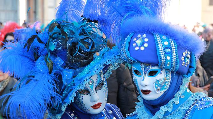 Wallpaper: Masks at Venice Carnival