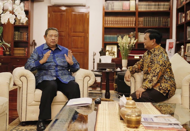 """""""Jika Prabowo Gandeng AHY & Menang, SBY Atur Pemerintahan"""""""