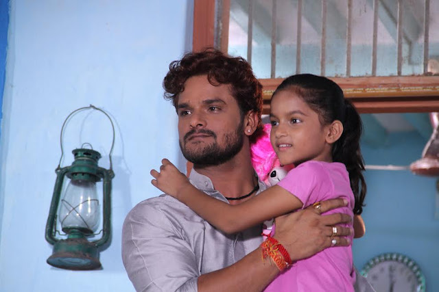 खेसारी लाल और उनकी बेटी कृति यादव एक साथ फिल्म  'दुलहिन गंगा पार के' में