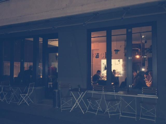 gassenzauber: Einzimmer Küche Bar - BÄM!
