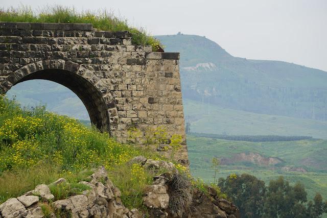 גשר עתיק בירמוך