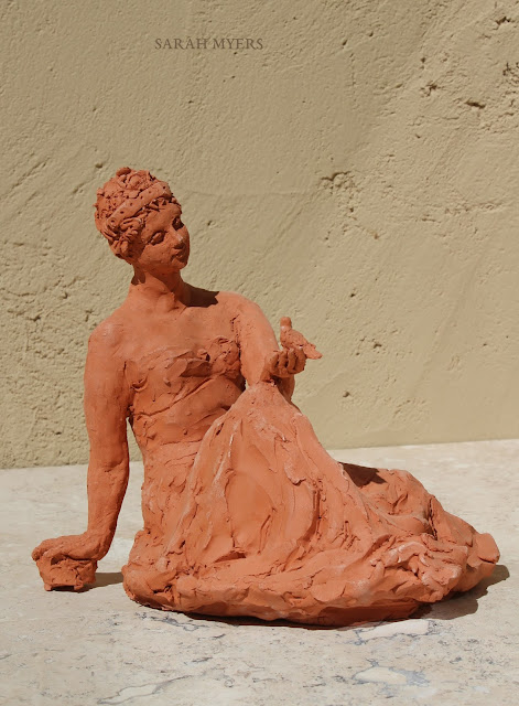 woman, sculpture, art, bird, escultura, arte, terracotta, sarah, myers, red, clay, earthenware, sitting, seated, small, tanagra, classical, contemporary, kunst, skulptur, quick, lady, finch, graceful, arms, right, side, look