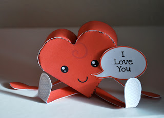 Papercraft de un corazón. Manualidades a Raudales.