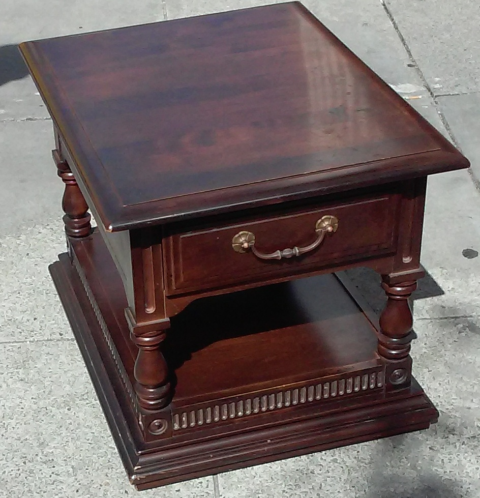 Uhuru furniture collectibles sold clearance 6131 for Clearance end table set