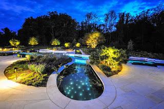บ่อปลาตกแต่งไฟ LED ใต้น้ำ