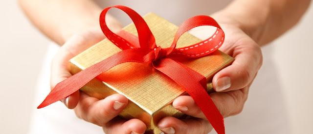 HATI - HATI : Memberikan Hadiah Pada Anak, Ini 5 Akibat Buruknya
