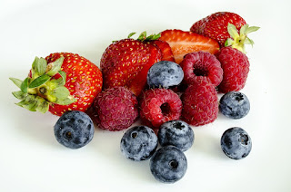 Berries benefits: cancer prevention agent