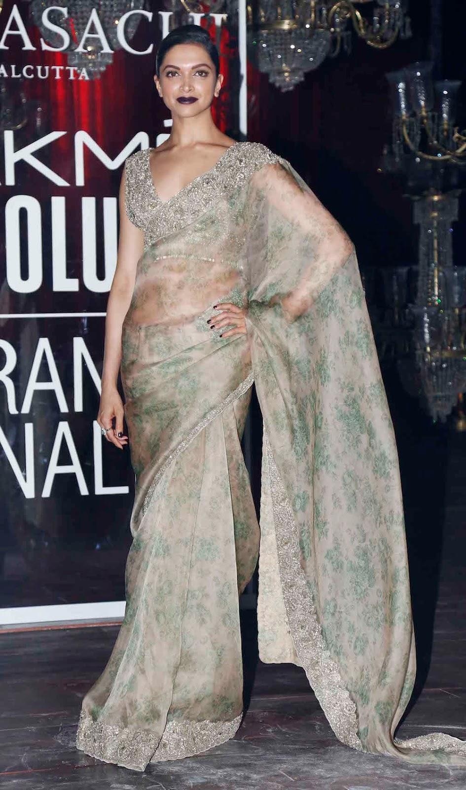 40 Best Images Of Deepika Padukone In Saree || Deepika Padukone\'s ...
