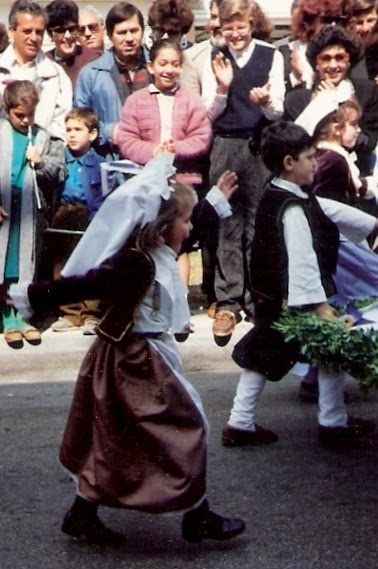 Nais..giving it her all, forward march! 25 March 1990