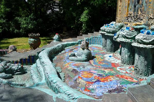 vienna vienne otto wagner villa ernst fuchs museum hütteldorf penzing foutain fontaine