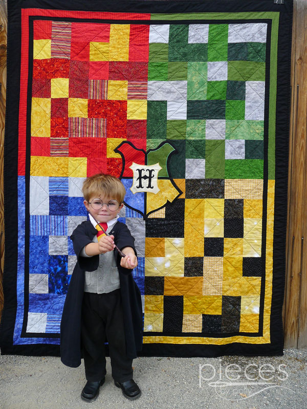 Pieces by Polly: Hogwarts Quilt with Crest - Harry Potter Inspired : harry potter quilt - Adamdwight.com