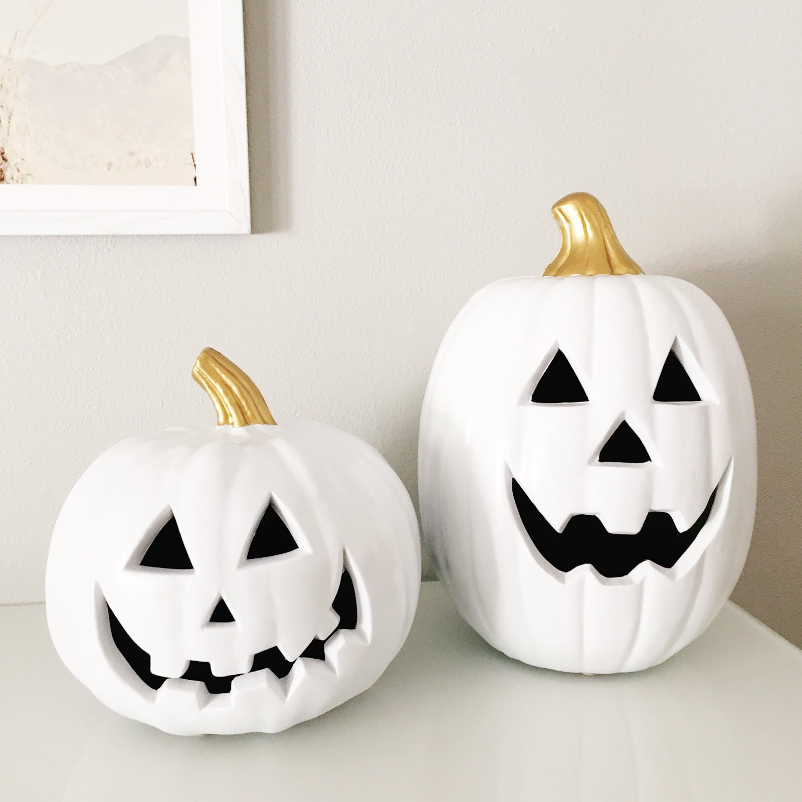 Petite Insanities DIY White and Gold Pumpkins